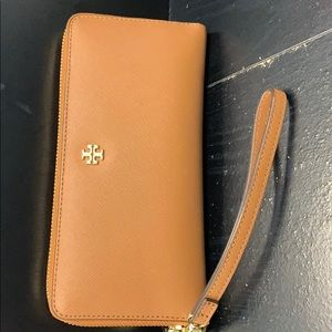 100% AUTHENTIC Tory Birch Wallet